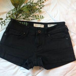 🖤EUC Bullhead black low rise shorts 🖤